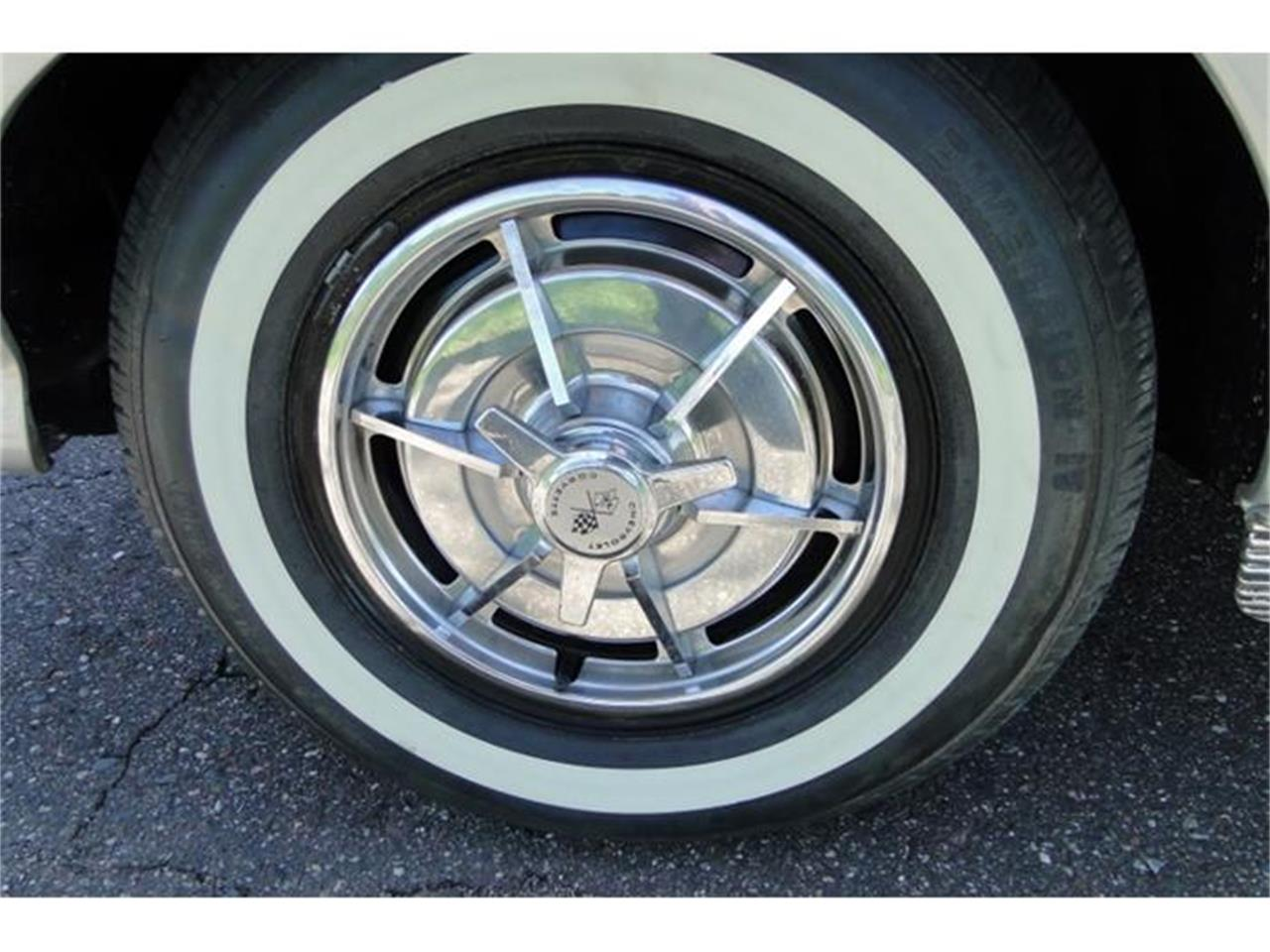 Large Picture of '63 Corvette located in Minnesota Offered by Big R's Muscle Cars - I2BV