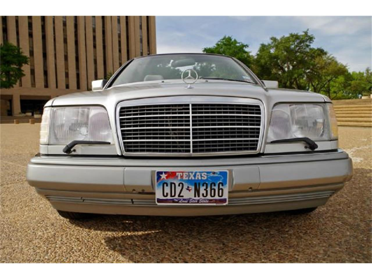 Large Picture of '95 Mercedes-Benz E-Class located in Fort Worth Texas - $8,995.00 Offered by ABC Dealer TEST - I36A