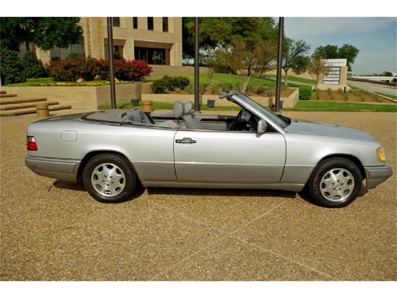 Large Picture of '95 Mercedes-Benz E-Class - $8,995.00 - I36A