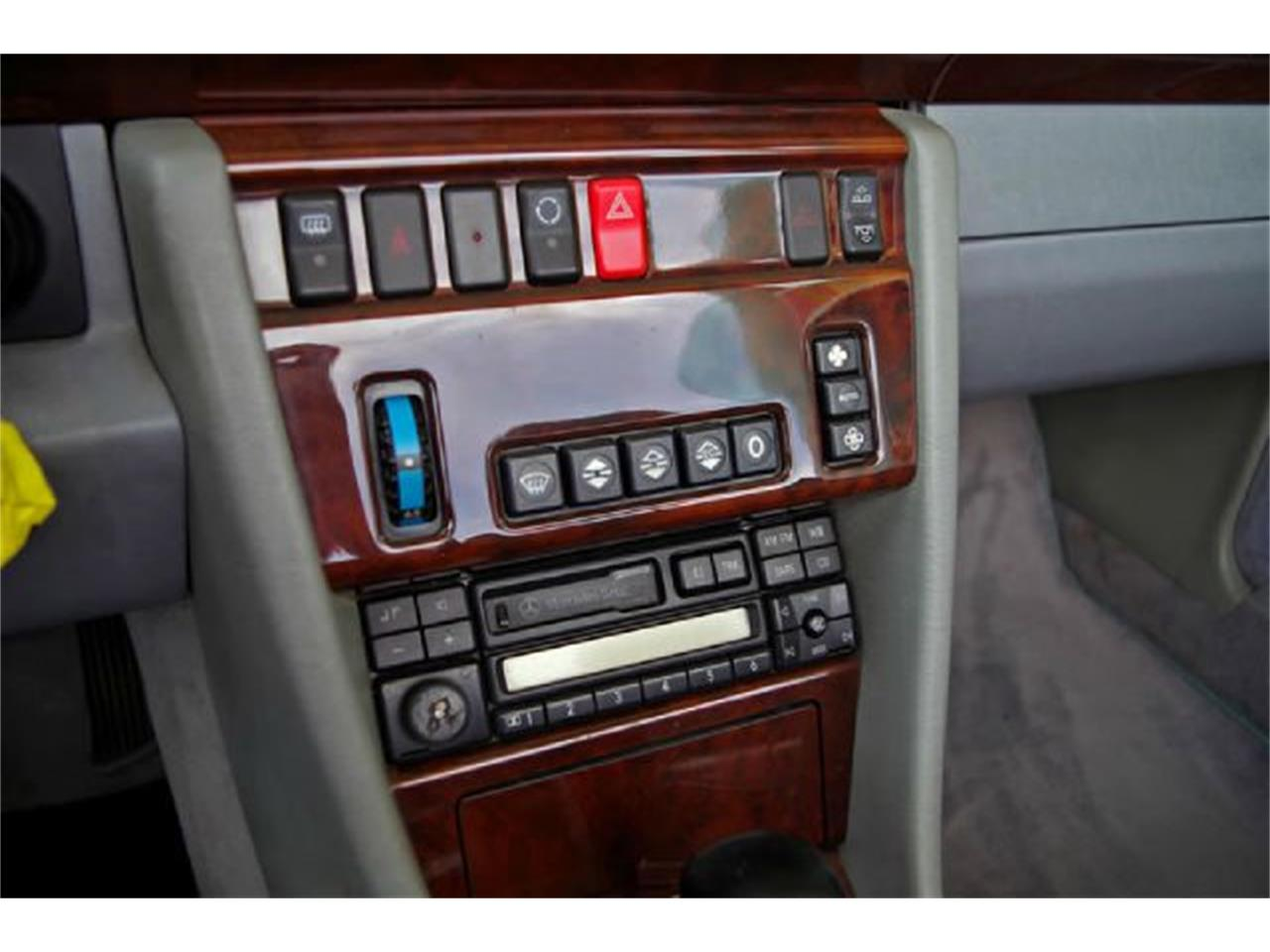 Large Picture of '95 Mercedes-Benz E-Class Offered by ABC Dealer TEST - I36A