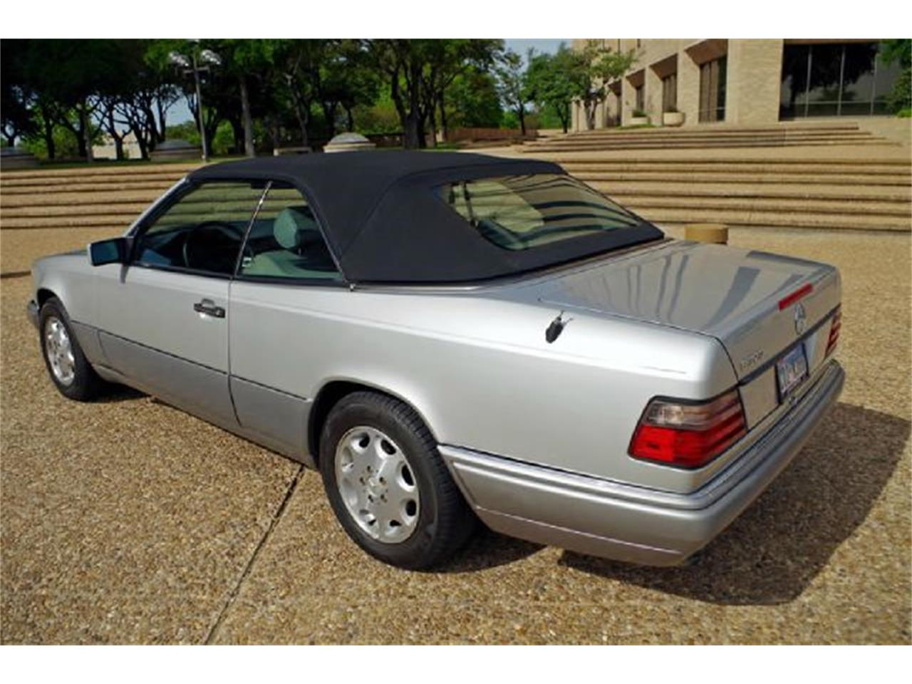 Large Picture of 1995 Mercedes-Benz E-Class located in Fort Worth Texas - $8,995.00 - I36A