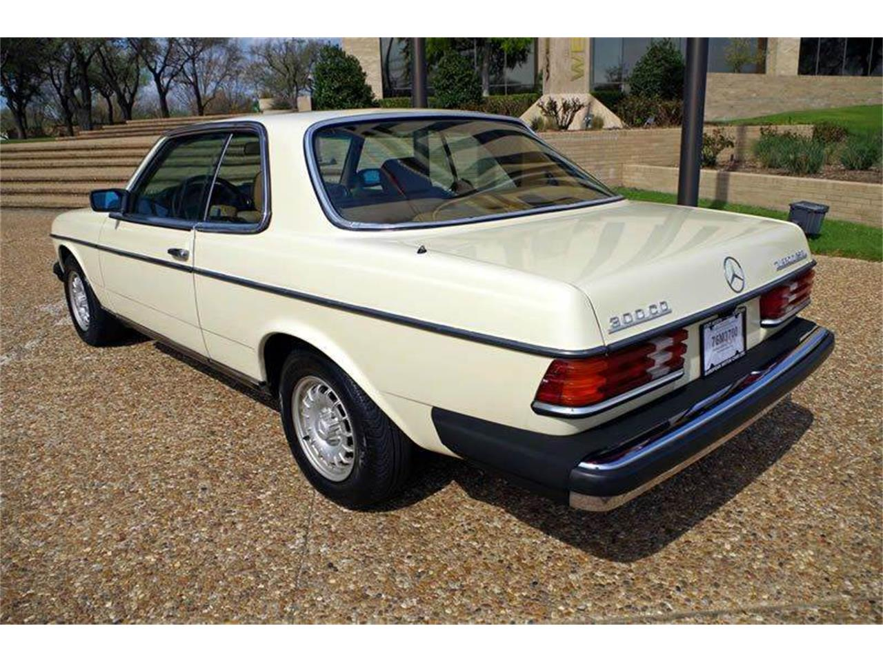 Large Picture of 1985 Mercedes-Benz 300 located in Texas Offered by ABC Dealer TEST - I36N