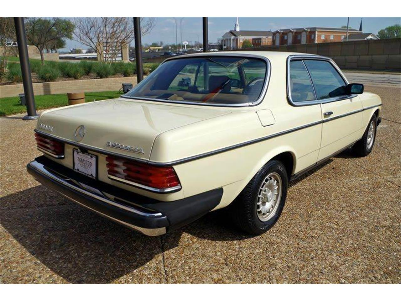 Large Picture of '85 Mercedes-Benz 300 located in Texas - $8,995.00 - I36N