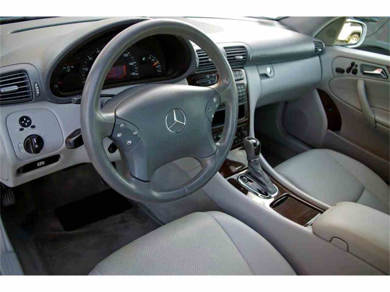 Large Picture of 2004 C-Class located in Fort Worth Texas - I36Y