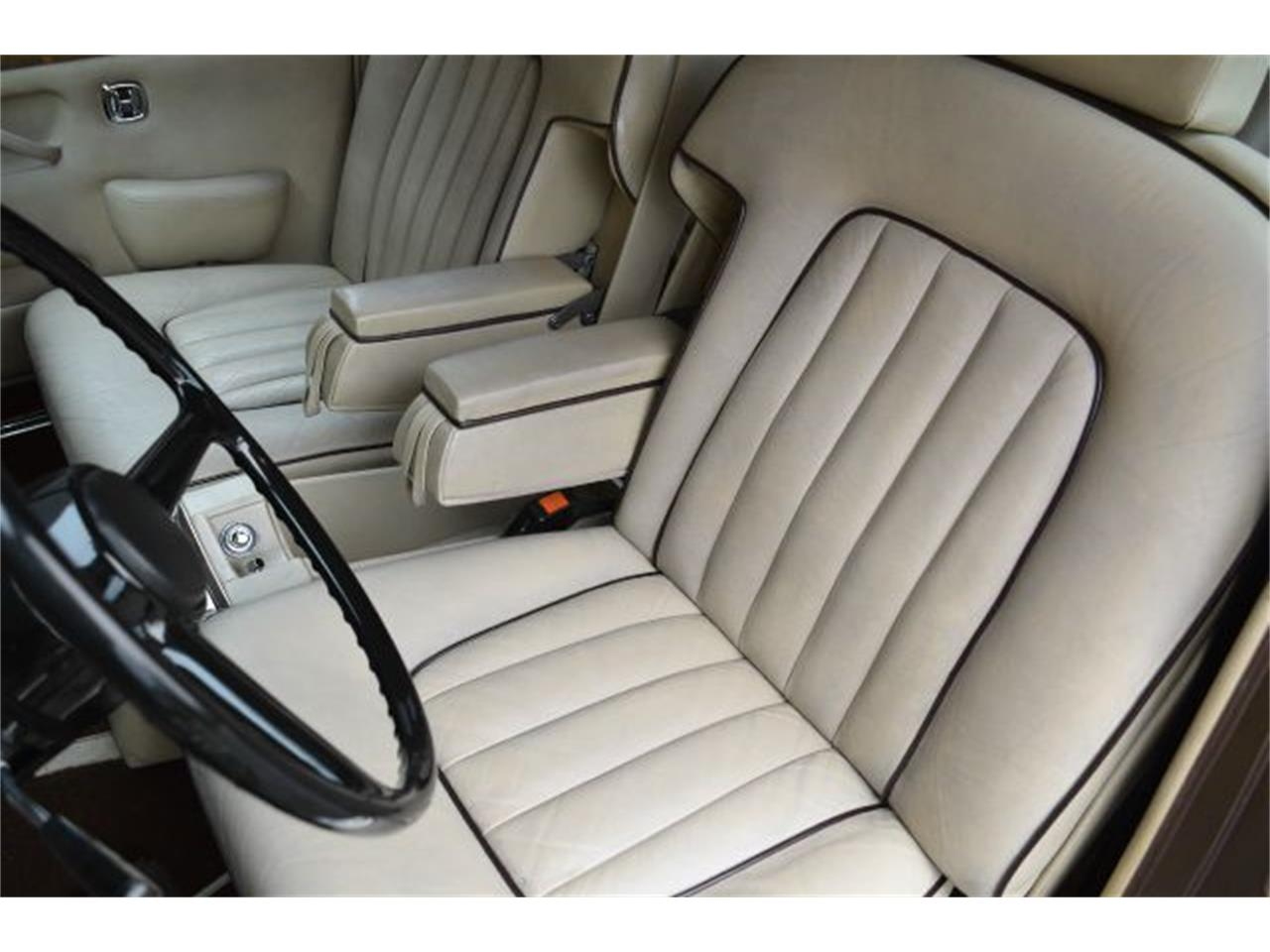 Large Picture of '80 Rolls-Royce Silver Shadow - $35,900.00 - I38L