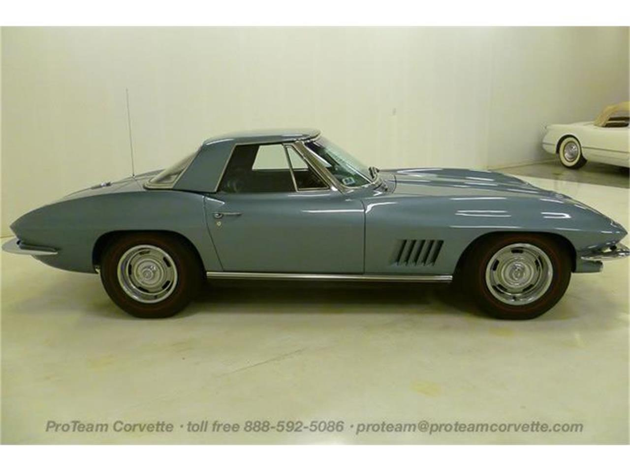 Large Picture of Classic '67 Chevrolet Corvette Offered by Proteam Corvette Sales - I3Y7