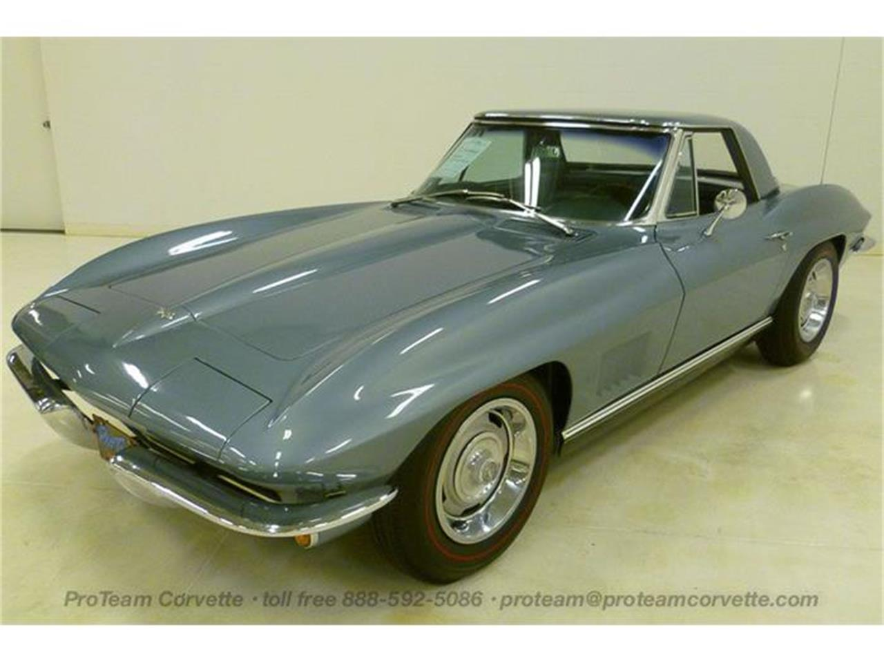 Large Picture of 1967 Corvette - I3Y7