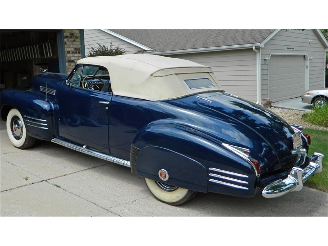 Large Picture of Classic '41 Cadillac Convertible Offered by a Private Seller - I7QF