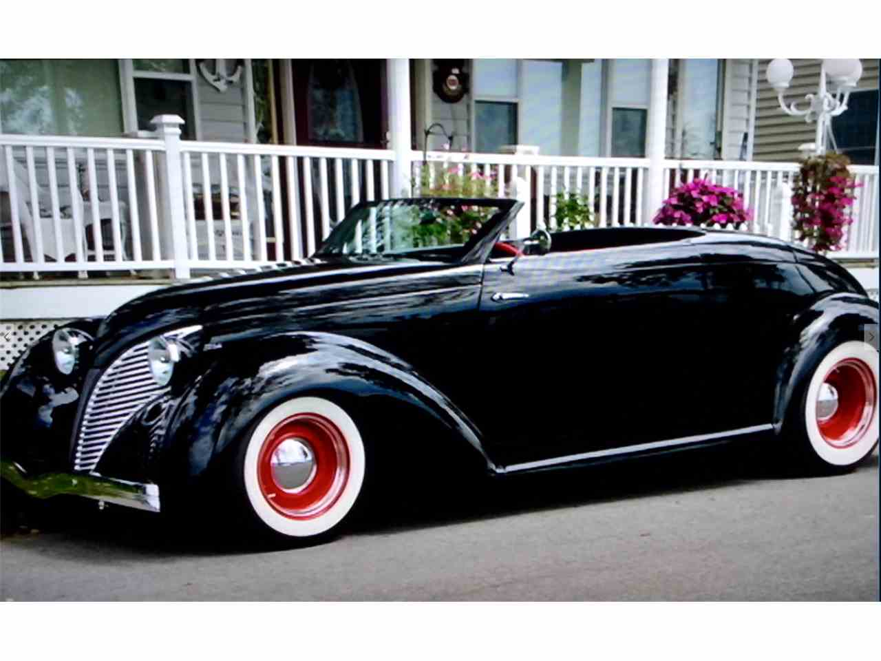 Large Picture of Classic 1939 Convertible - I9VM