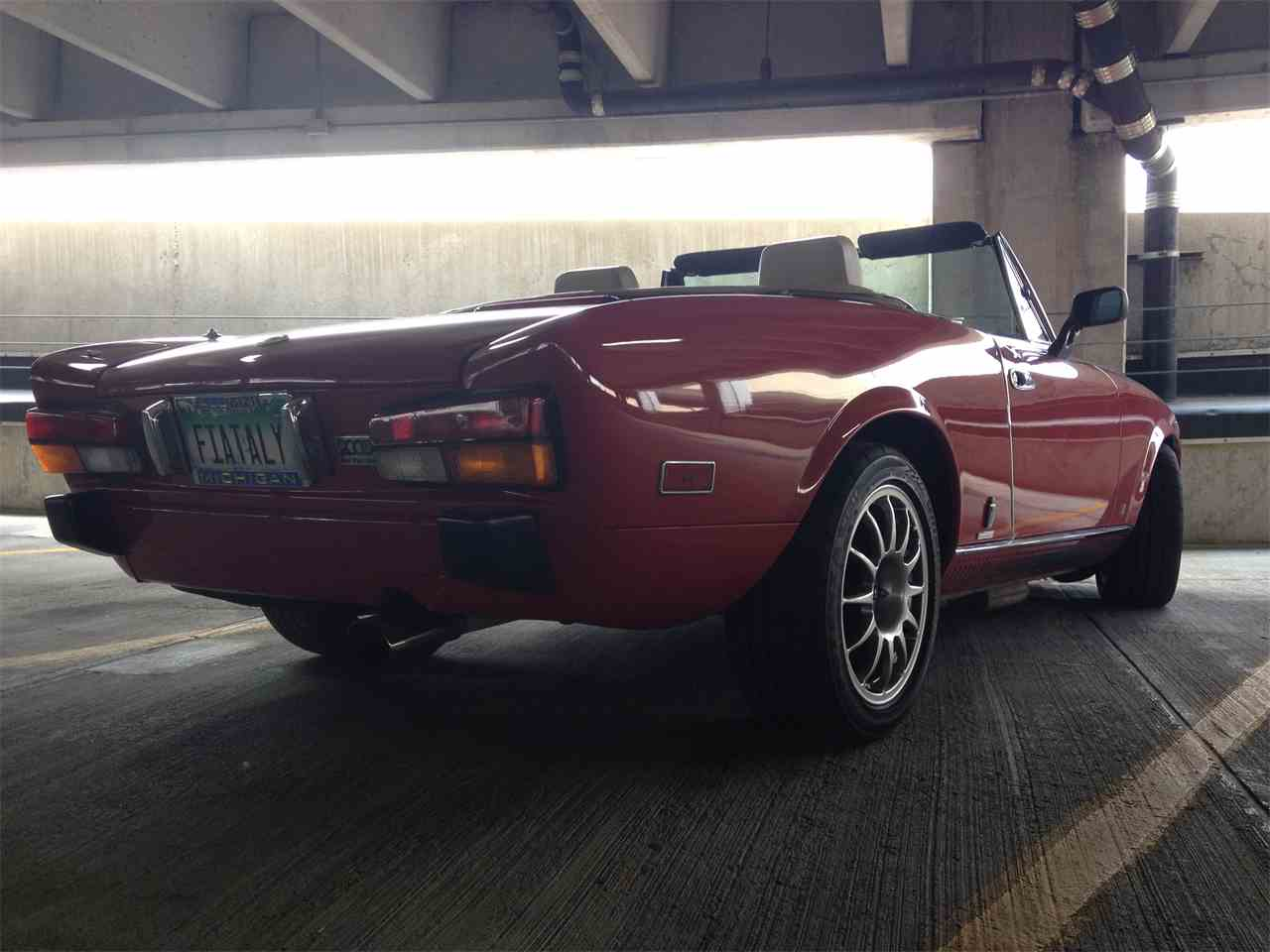 Large Picture of '81 Spider - I9Y5