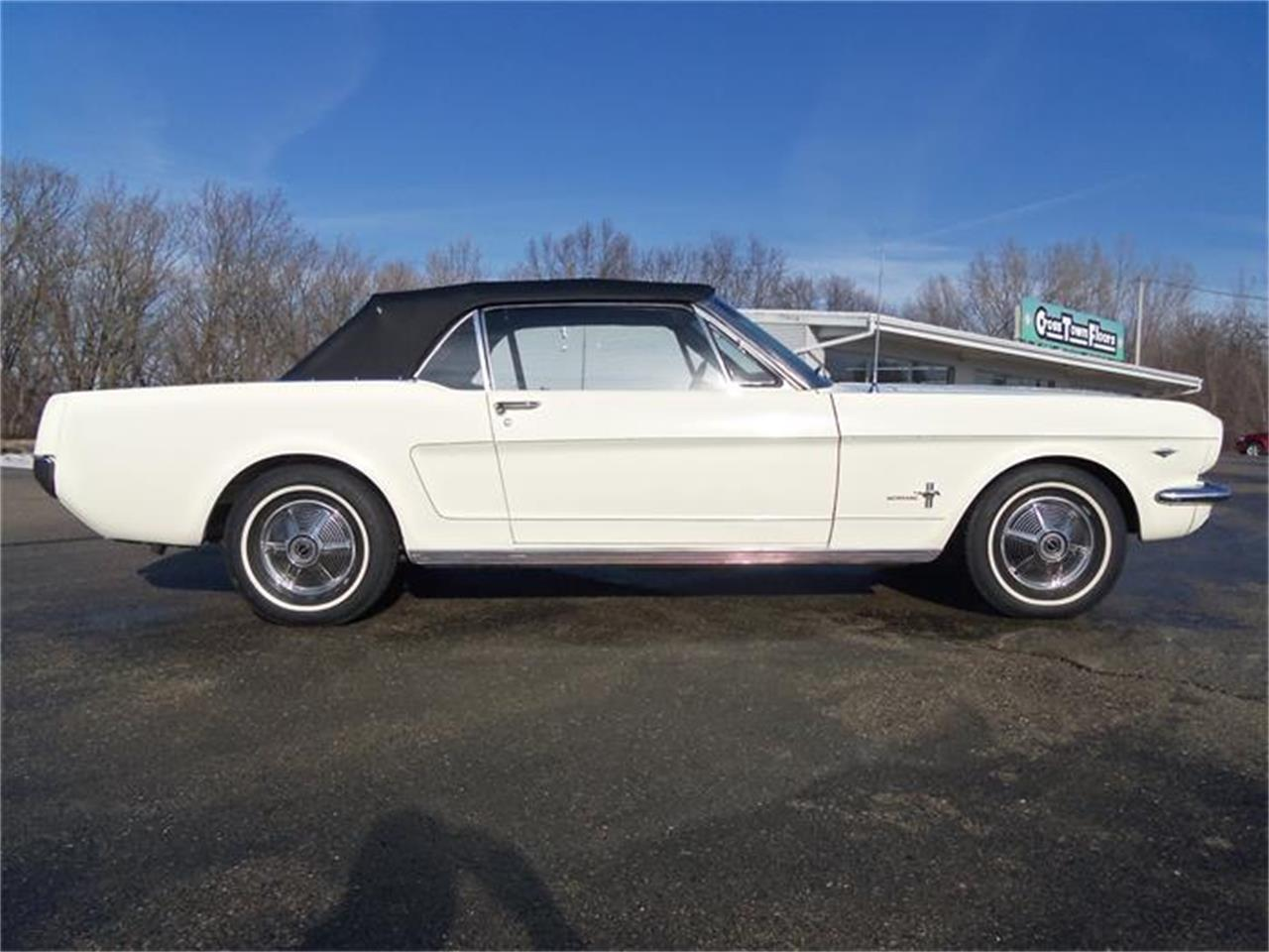 Large Picture of Classic 1965 Ford Mustang located in Wisconsin - IHST