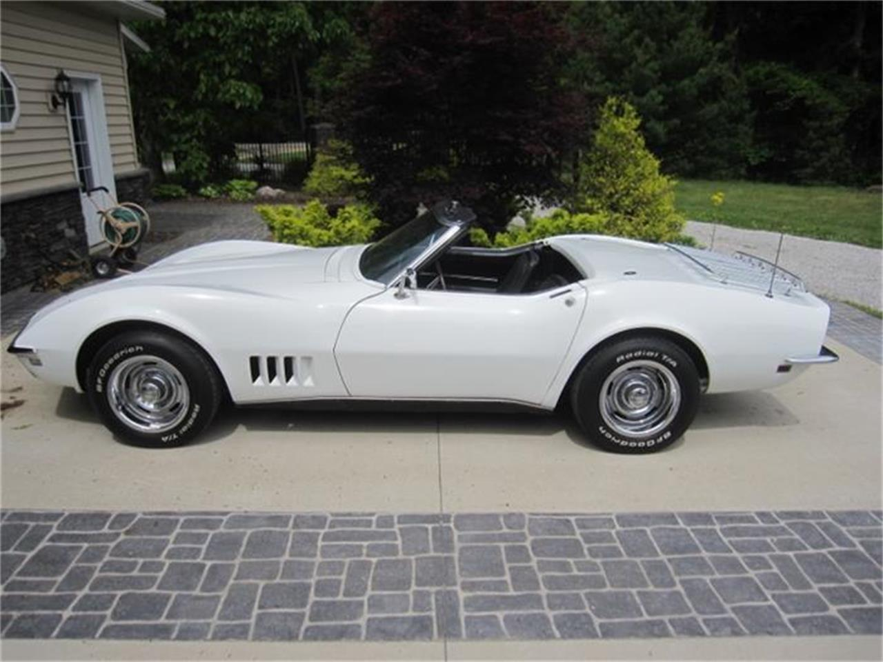 Large Picture of Classic 1968 Chevrolet Corvette located in Effingham Illinois - $32,900.00 Offered by Schultheis Garage and Classics, LLC - IINV