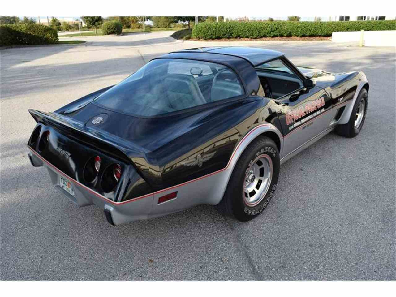 Large Picture of '78 Corvette - IIPL