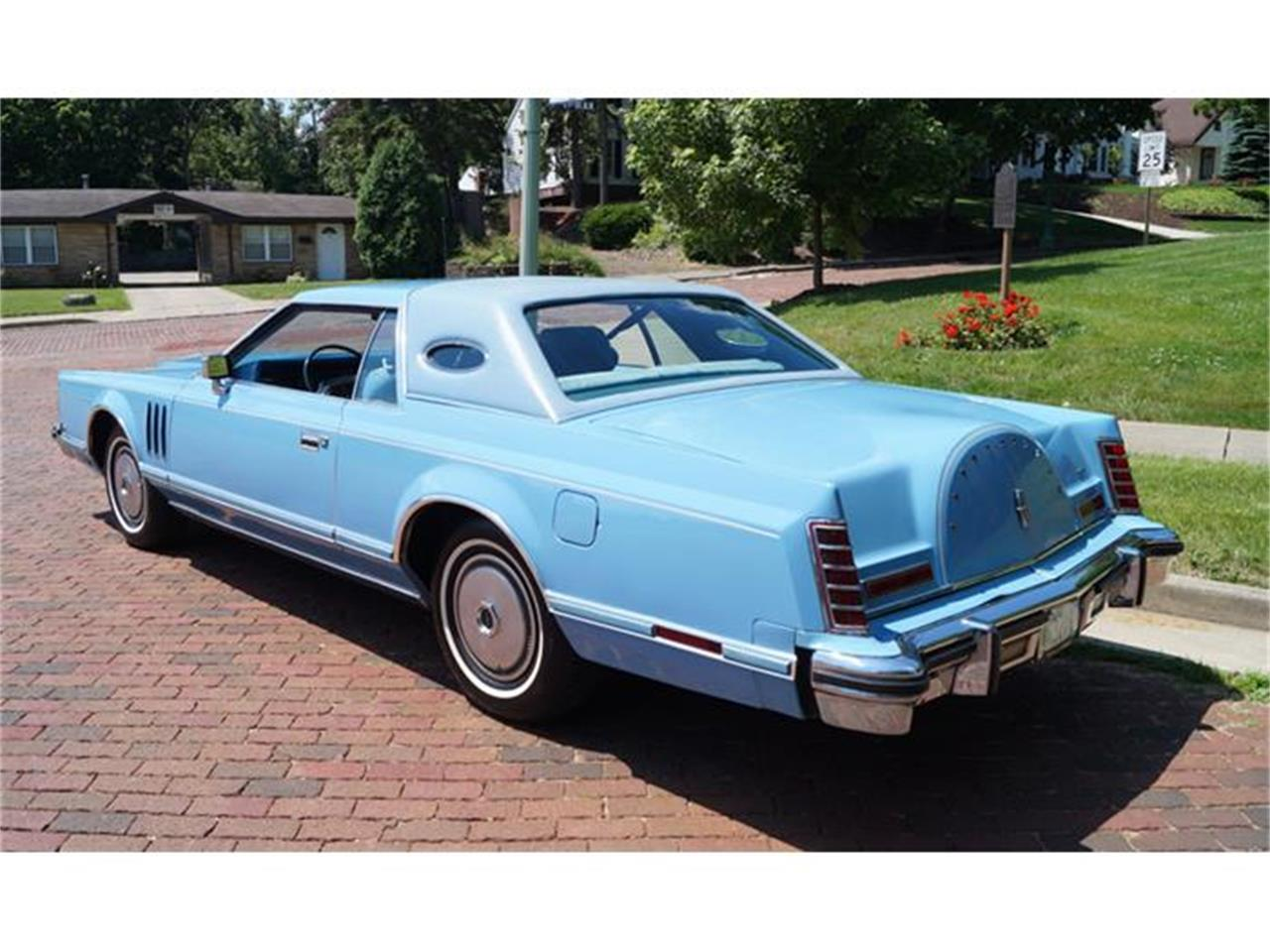 Large Picture of 1978 Lincoln Continental Mark V located in Canton Ohio - IJM5