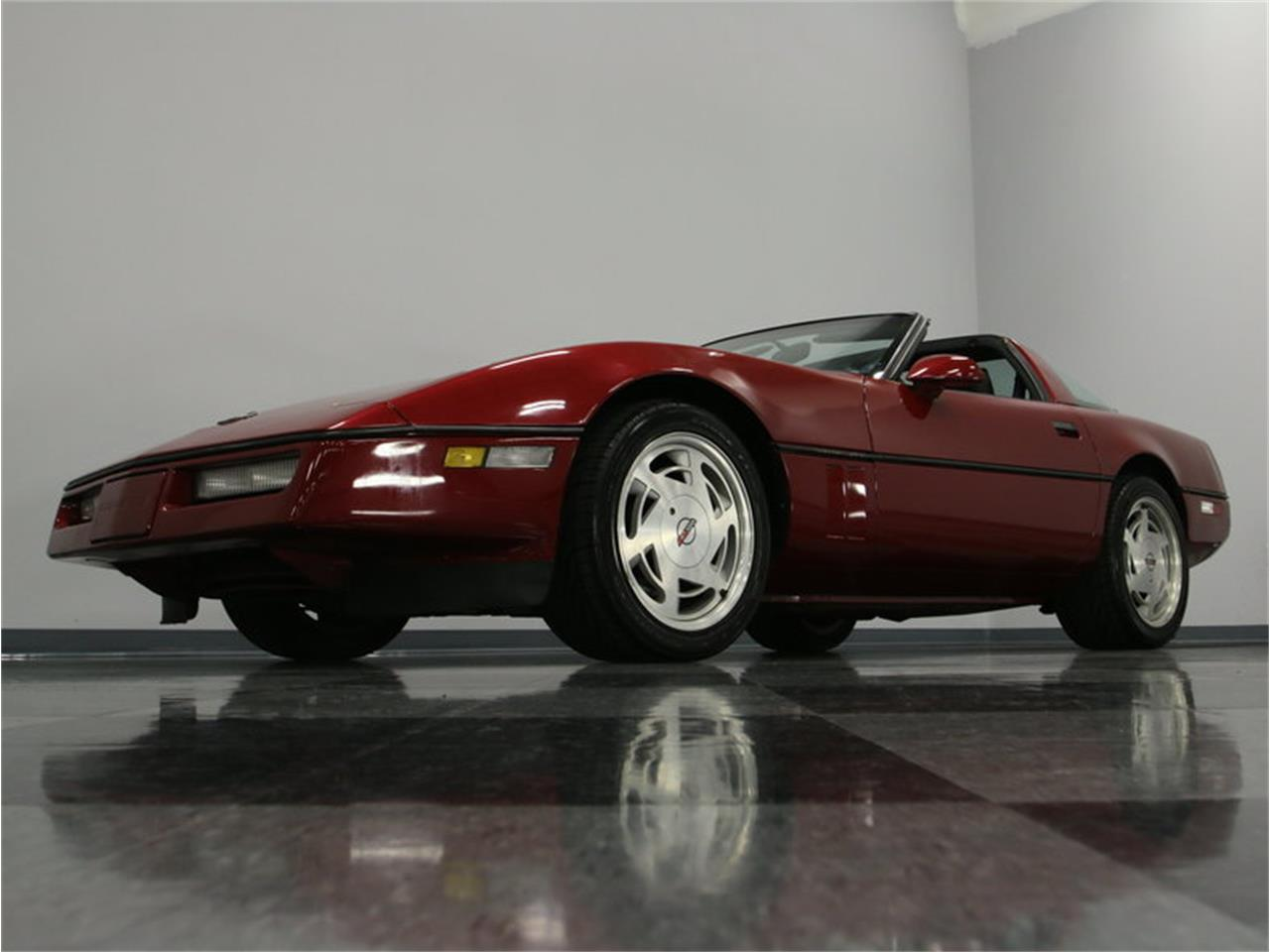 Large Picture of 1989 Chevrolet Corvette located in Tennessee Offered by Streetside Classics - Nashville - IKOA