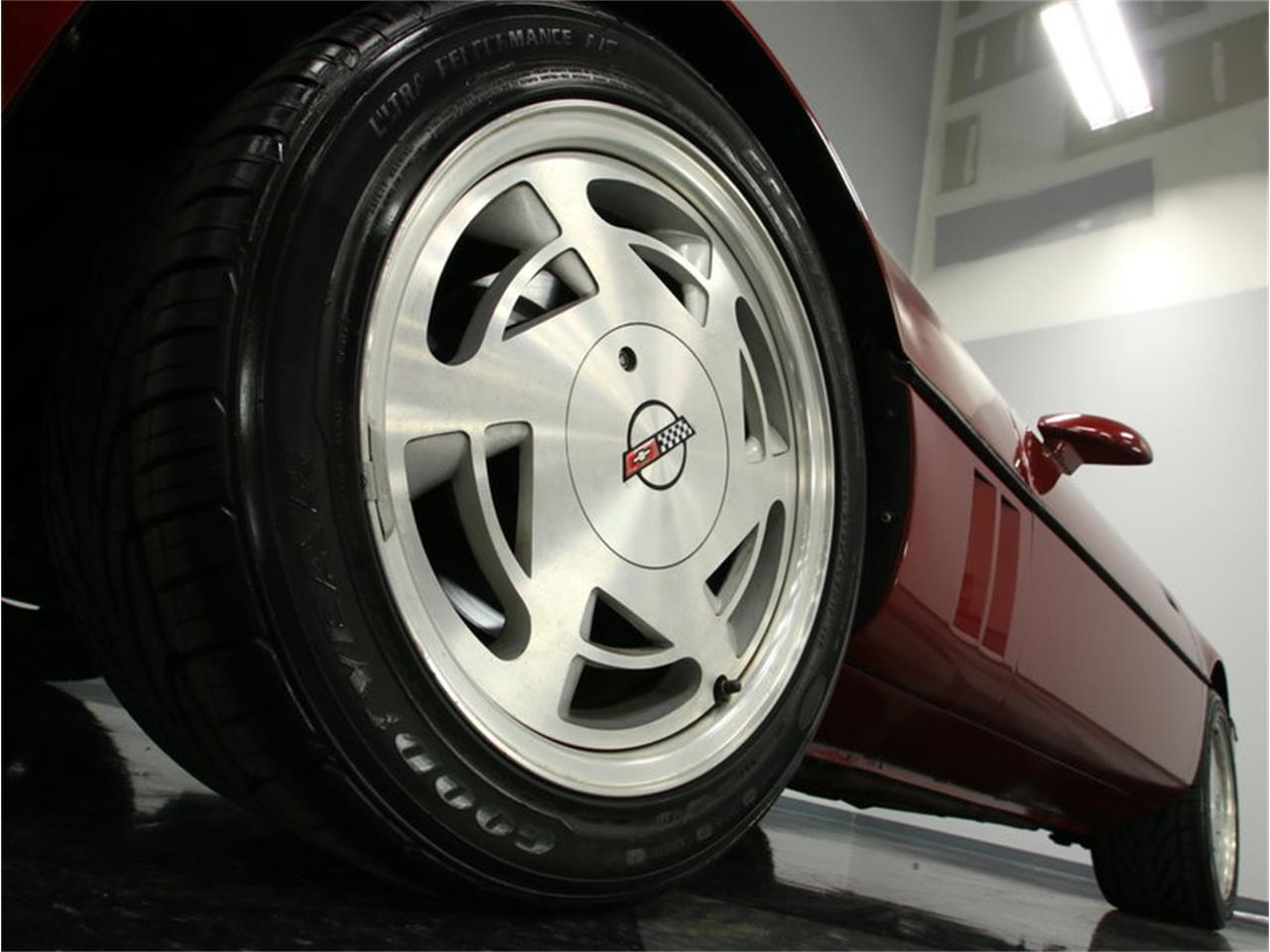 Large Picture of '89 Corvette Offered by Streetside Classics - Nashville - IKOA