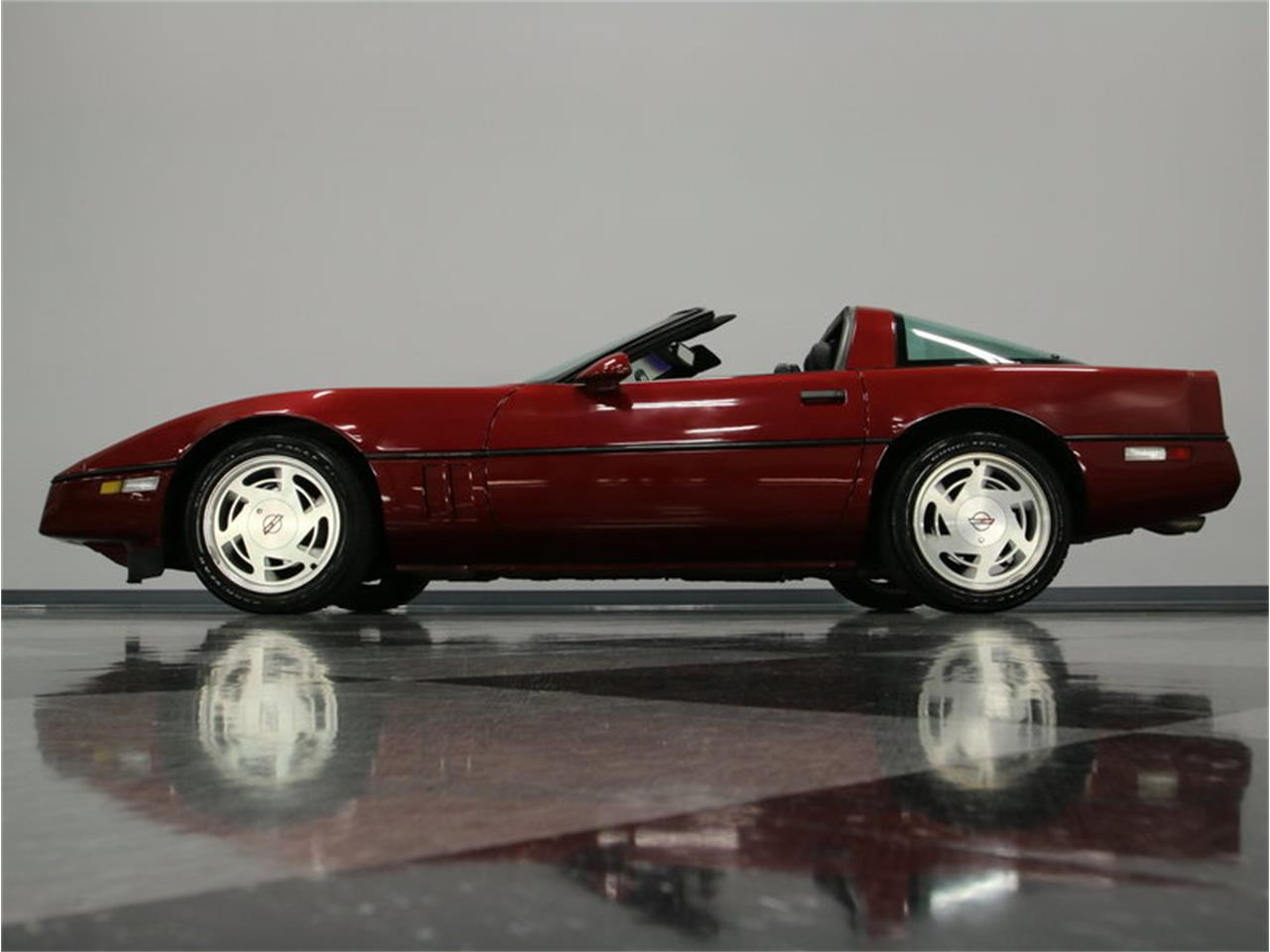 Large Picture of 1989 Chevrolet Corvette located in Lavergne Tennessee - $11,995.00 - IKOA