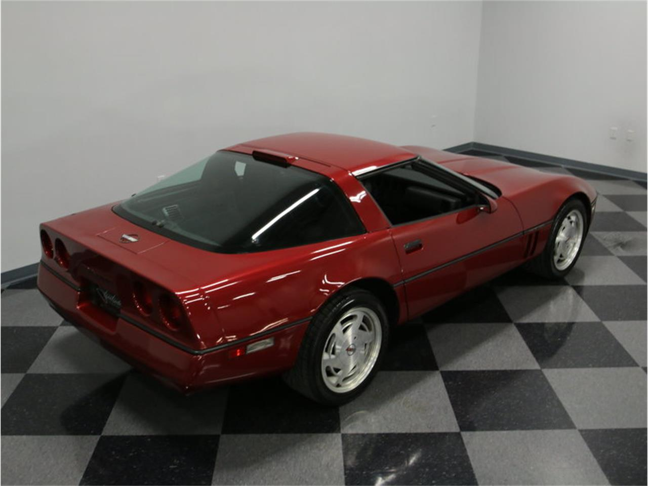 Large Picture of '89 Chevrolet Corvette located in Tennessee - $11,995.00 - IKOA