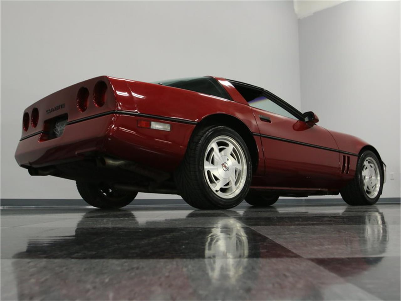 Large Picture of '89 Corvette located in Lavergne Tennessee - IKOA