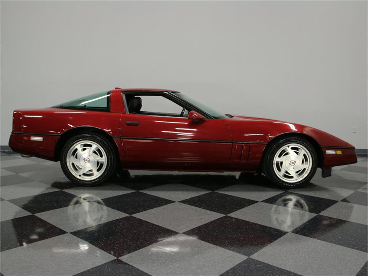 Large Picture of 1989 Corvette located in Lavergne Tennessee Offered by Streetside Classics - Nashville - IKOA