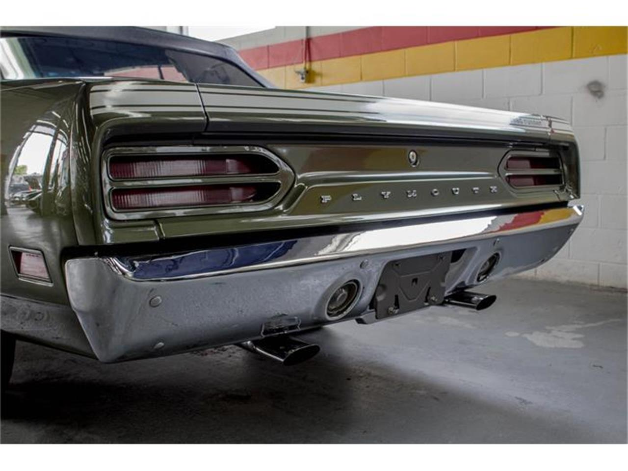 Large Picture of Classic '70 Plymouth Road Runner located in Quebec Offered by John Scotti Classic Cars - IMF1