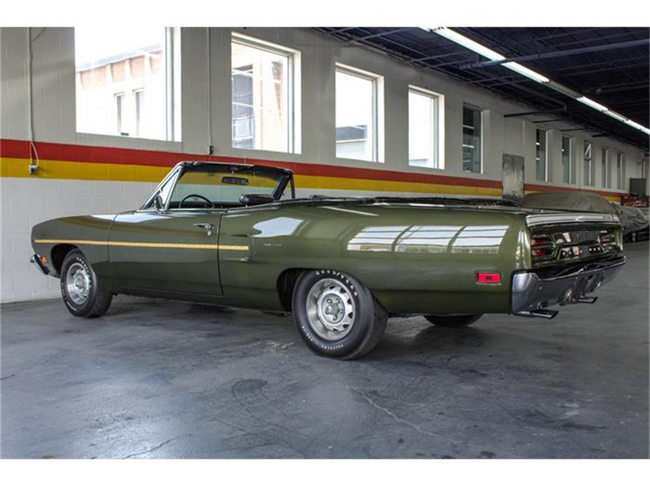 Large Picture of 1970 Plymouth Road Runner located in Montreal Quebec - IMF1