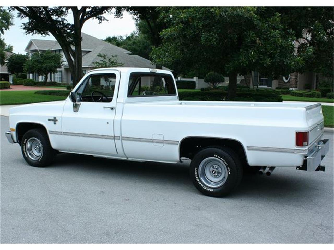 Large Picture of 1987 Chevrolet Silverado located in Florida - IQHJ
