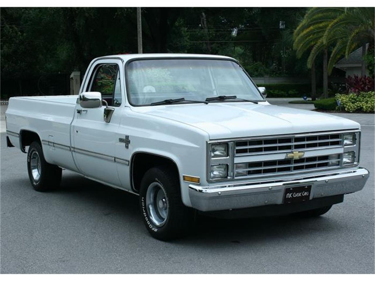 Large Picture of '87 Chevrolet Silverado - $19,500.00 - IQHJ
