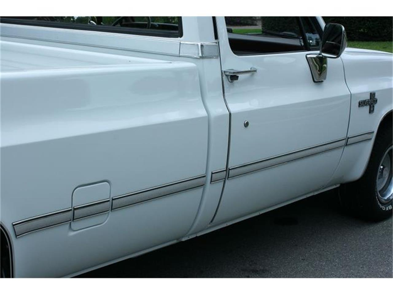 Large Picture of 1987 Chevrolet Silverado Offered by MJC Classic Cars - IQHJ