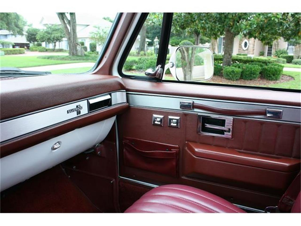Large Picture of 1987 Chevrolet Silverado located in Lakeland Florida - IQHJ