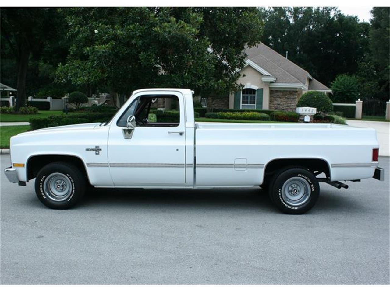 Large Picture of 1987 Chevrolet Silverado - IQHJ