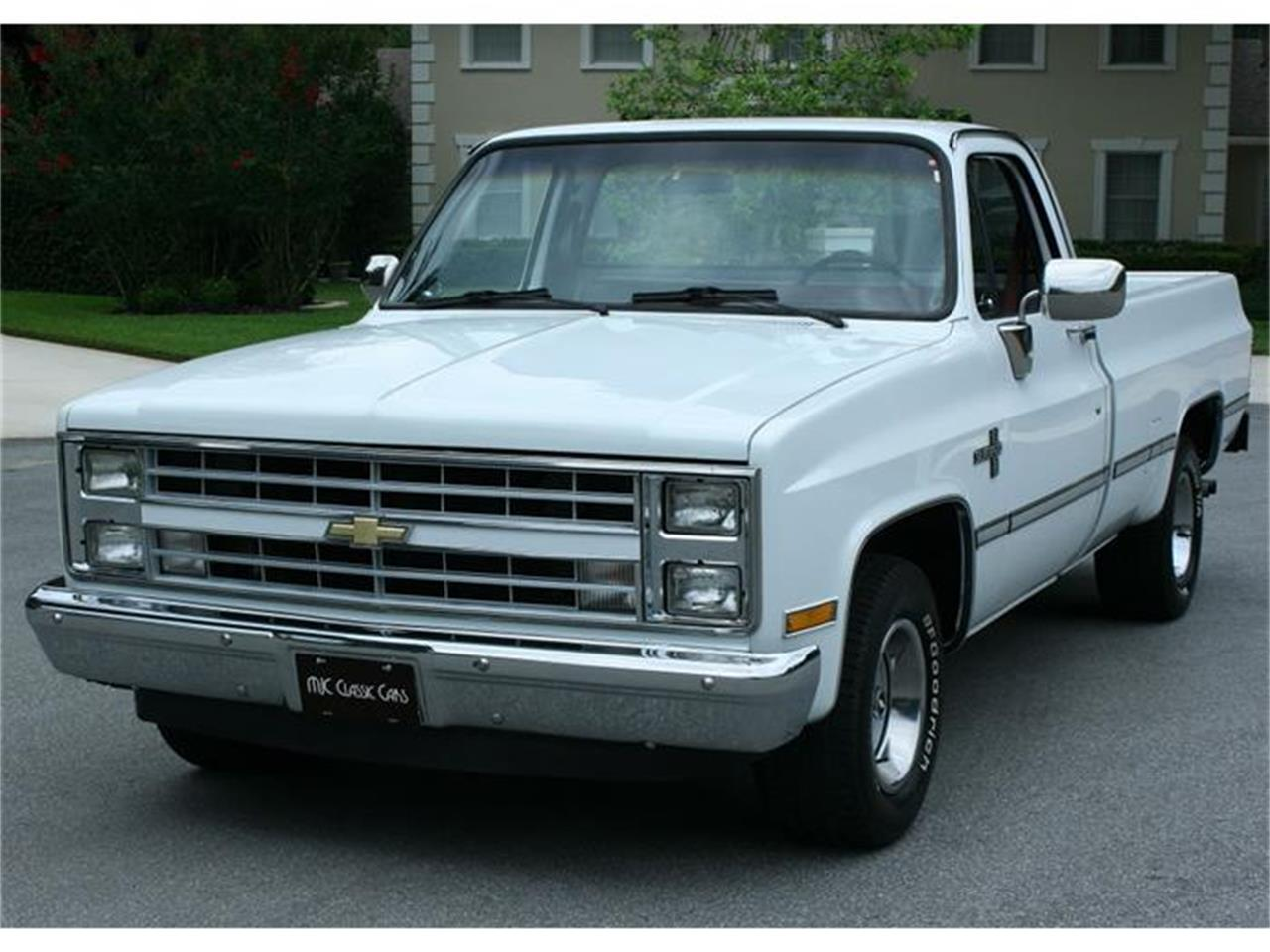 Large Picture of '87 Chevrolet Silverado located in Florida - $19,500.00 Offered by MJC Classic Cars - IQHJ