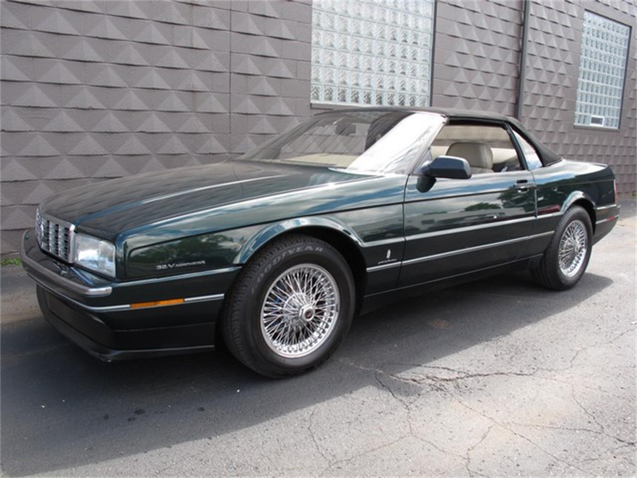 Large Picture of 1993 Cadillac Allante located in Troy Michigan Offered by Classic Auto Showplace - IQM6