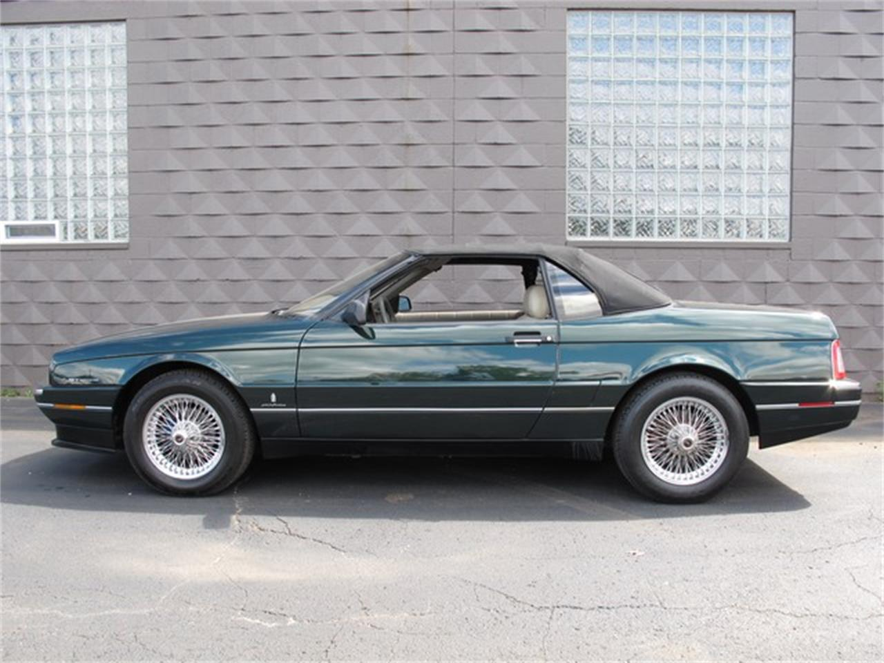 Large Picture of '93 Allante located in Michigan Offered by Classic Auto Showplace - IQM6