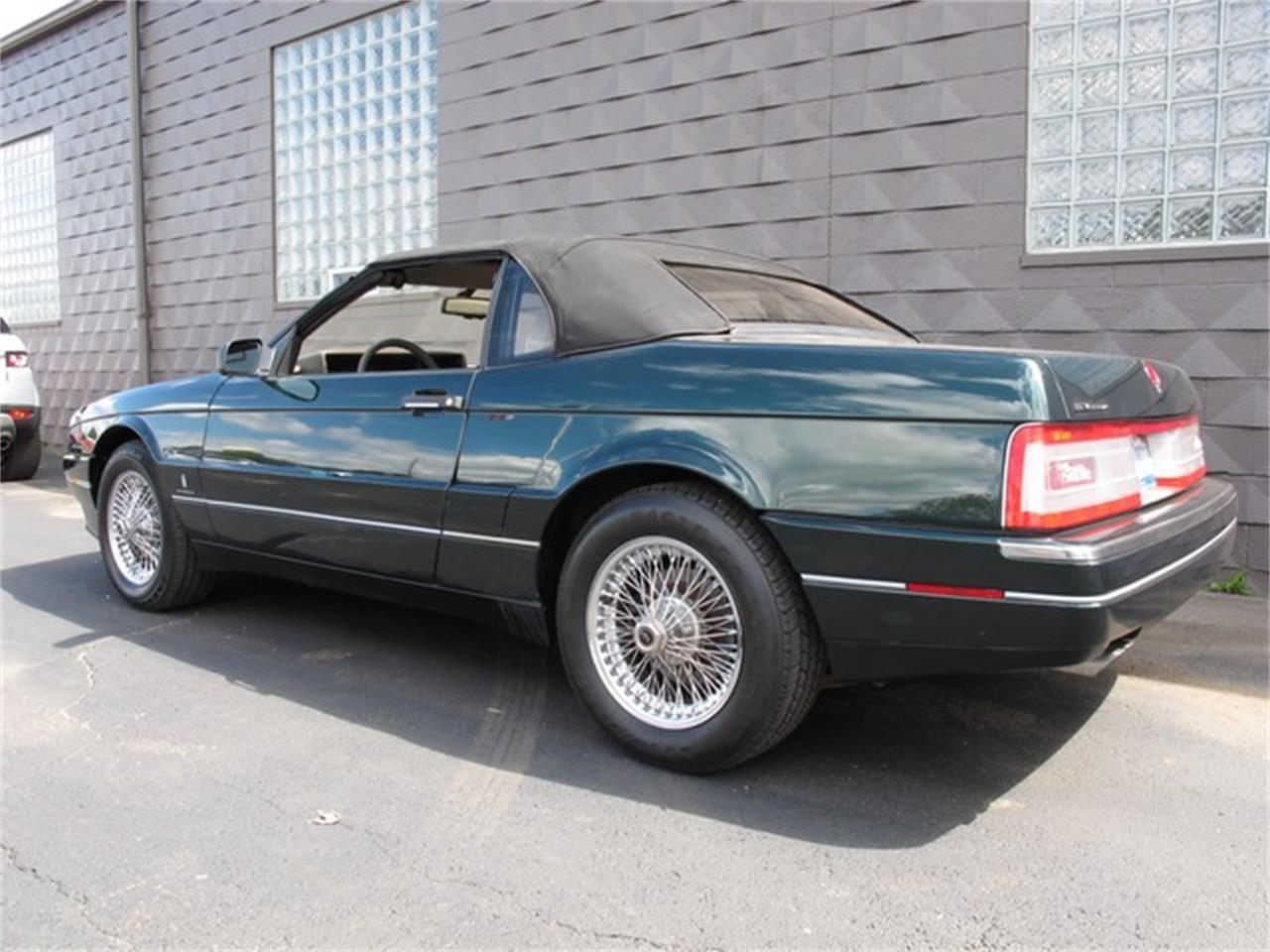 Large Picture of '93 Allante located in Michigan - $14,900.00 Offered by Classic Auto Showplace - IQM6