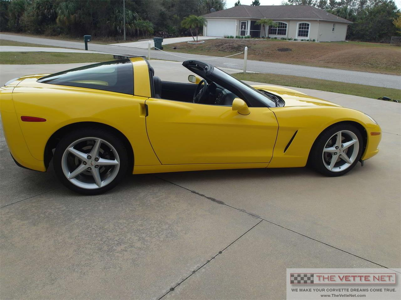 Large Picture of '11 Corvette - IQT3