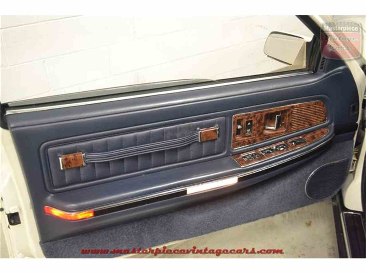 Large Picture of 1990 Buick Riviera located in Whiteland Indiana - $5,950.00 - IRZC