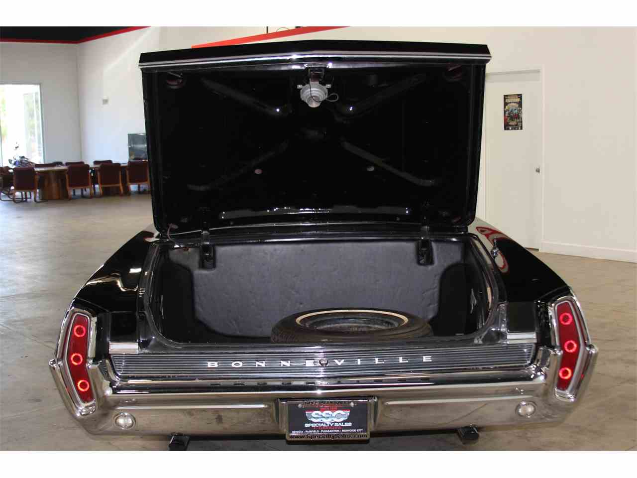 Large Picture of '64 Bonneville - IS4S