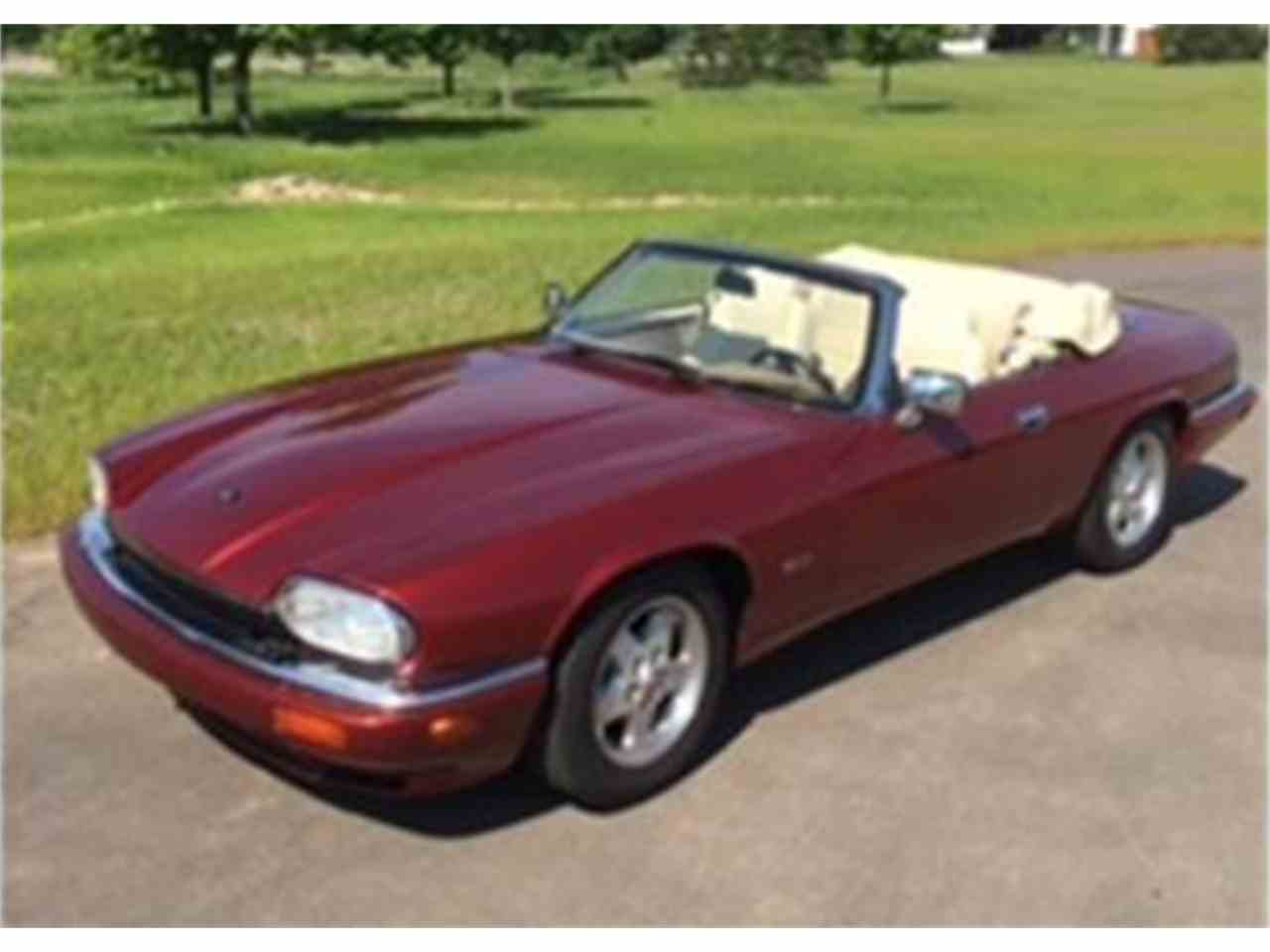 Large Picture of '95 XJS located in Brookfield Wisconsin - $14,000.00 Offered by a Private Seller - ISS5