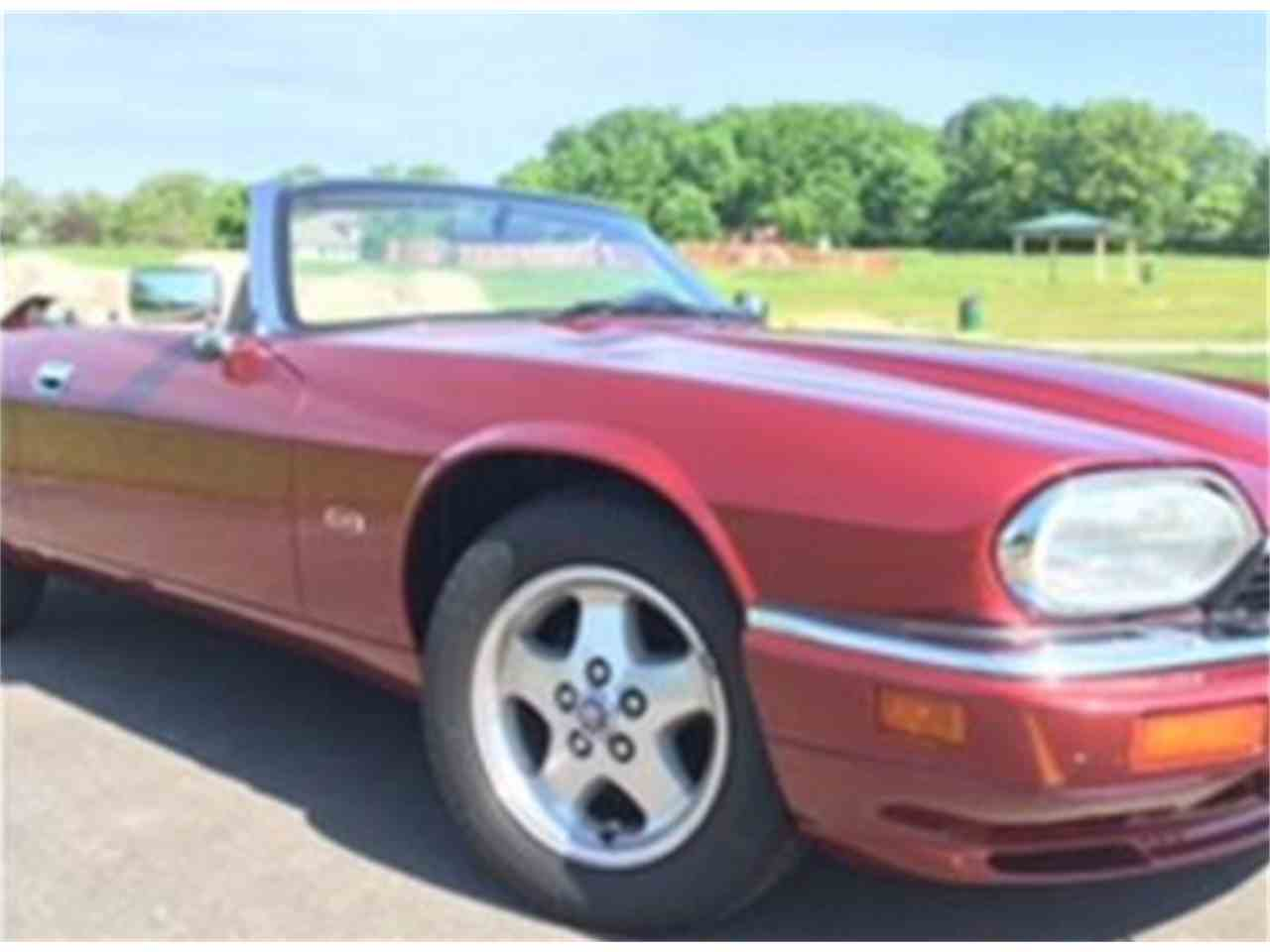 Large Picture of 1995 XJS located in Wisconsin Offered by a Private Seller - ISS5