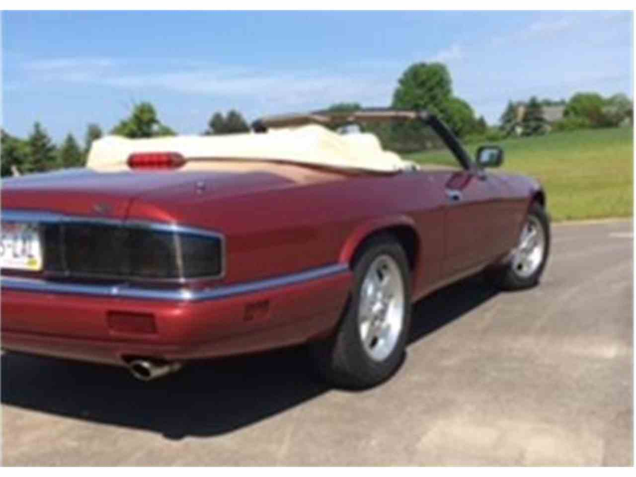 Large Picture of '95 Jaguar XJS located in Brookfield Wisconsin Offered by a Private Seller - ISS5