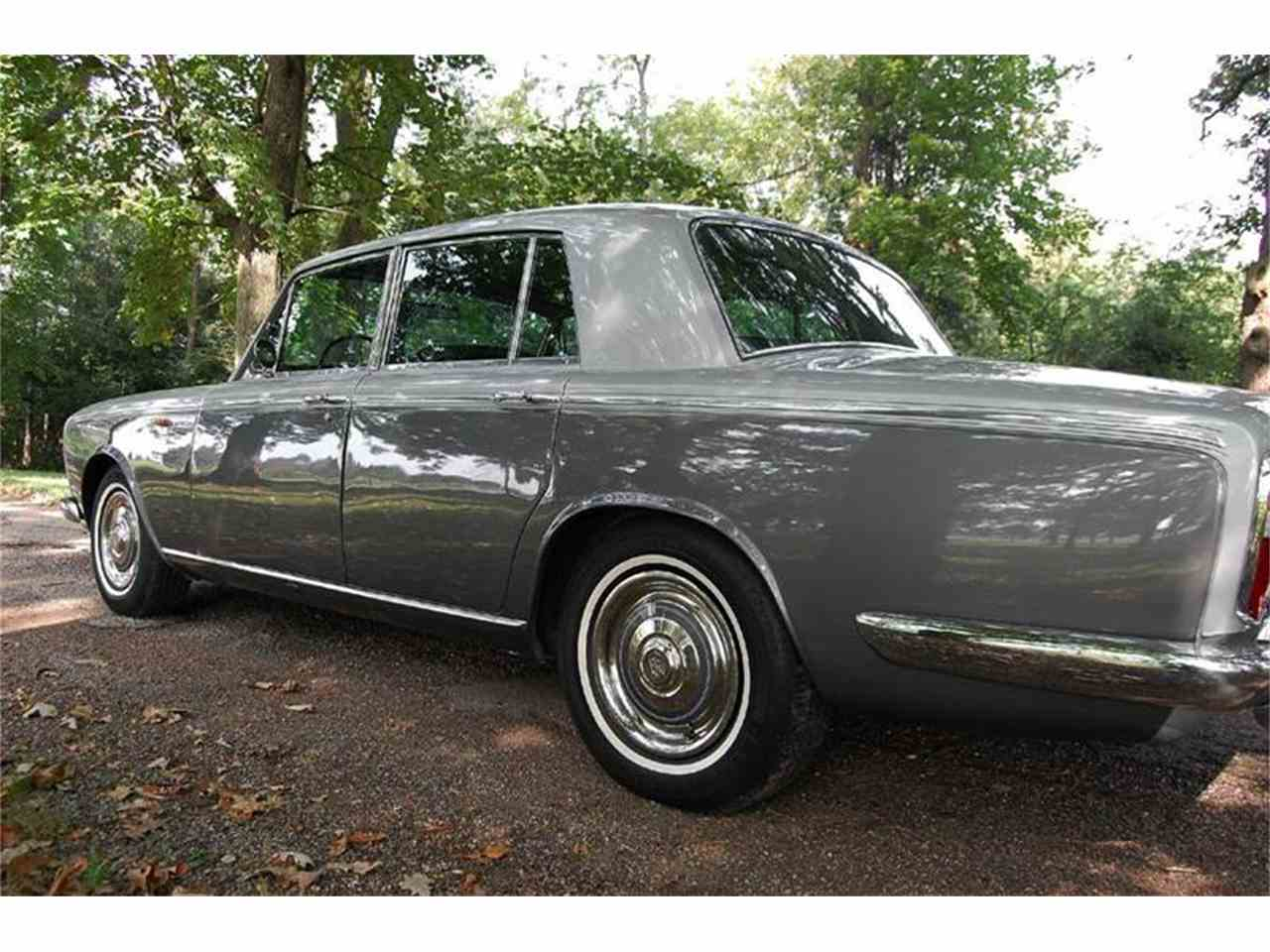Large Picture of '67 Silver Shadow - INYW