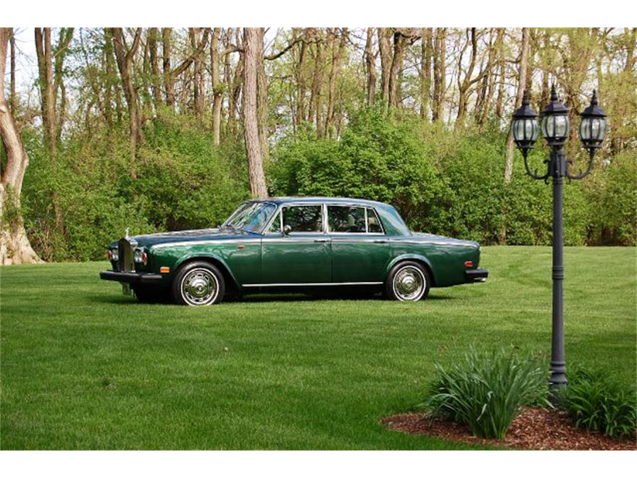 Large Picture of '76 Silver Shadow - INZ4