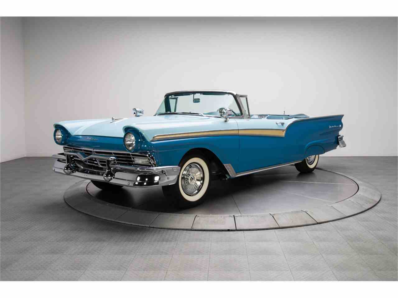 Large Picture of '57 Fairlane 500 - IUOV