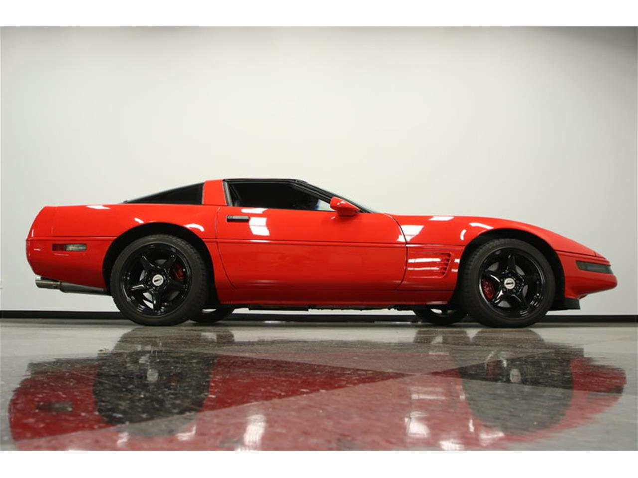Large Picture of '95 Corvette located in Lutz Florida Offered by Streetside Classics - Tampa - IURO