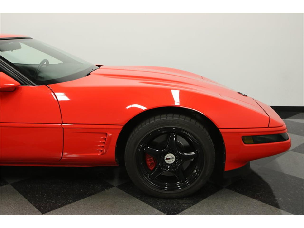 Large Picture of 1995 Corvette located in Lutz Florida Offered by Streetside Classics - Tampa - IURO