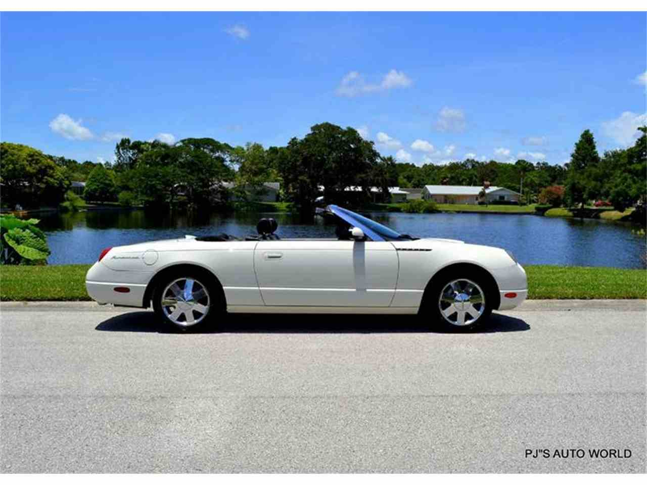 Large Picture of '02 Ford Thunderbird located in Florida - $16,900.00 - IW29