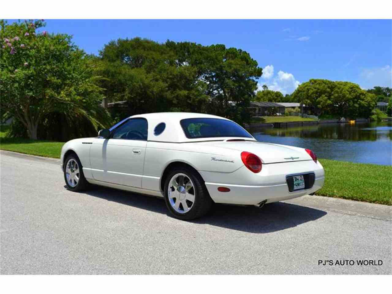 Large Picture of 2002 Thunderbird - IW29