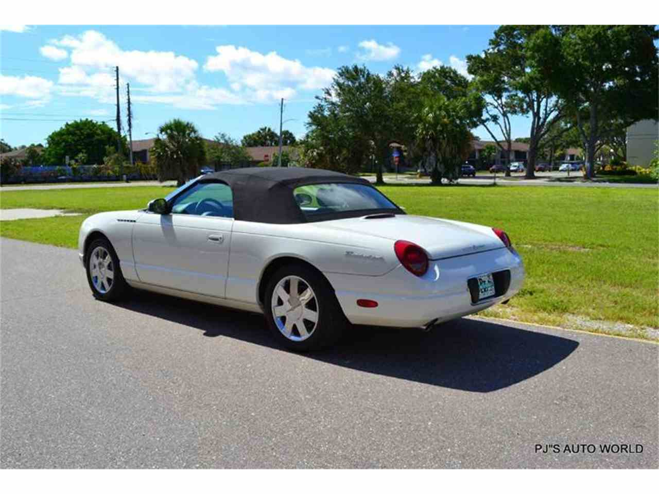 Large Picture of 2002 Ford Thunderbird - $16,900.00 - IW29