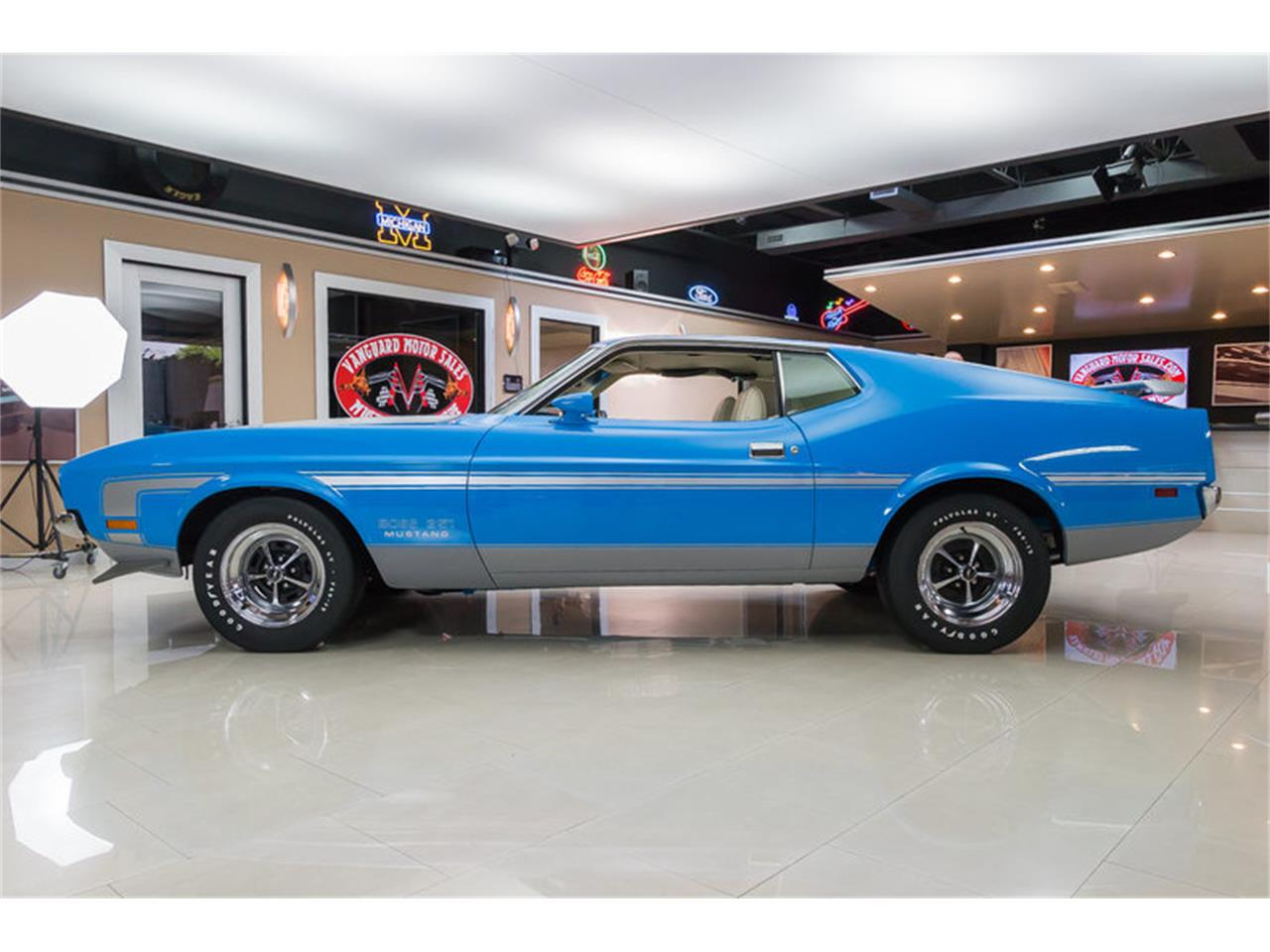 Large Picture of 1971 Ford Mustang Offered by Vanguard Motor Sales - IW4B
